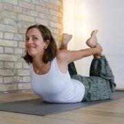 Mirke Bogen Haltung Ananda Yoga Haus