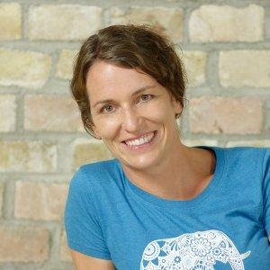 Monika Henze Ananda Yoga Haus