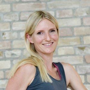 Serena Pfeiffer Ananda Yoga Haus Yoga-Lehrerin